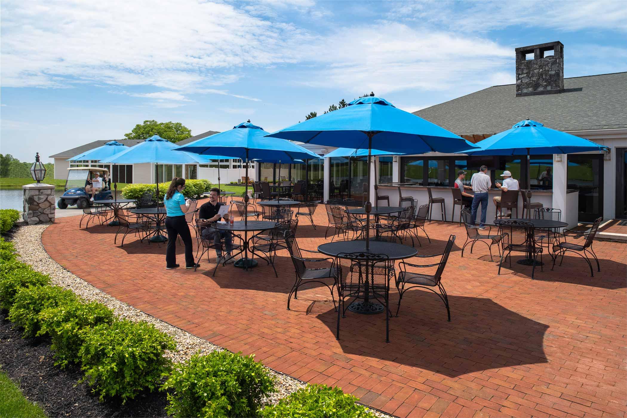 Outdoor bar & patio